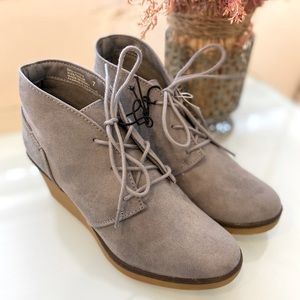 BOOTIES| faux suede | size 7 | BNWT